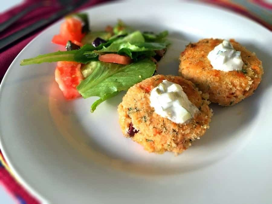 Salmon Cakes Recipe With Garlic And Dill Pickle Dip is a great and delicious alternative to regular baked salmon. The cakes come out moist, flavorful and irresistible.