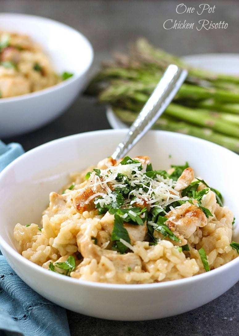 One Pot Chicken Risotto will satisfy your hunger during busy weeknights. Made with simple ingredients, this easy risotto will become your favorite.