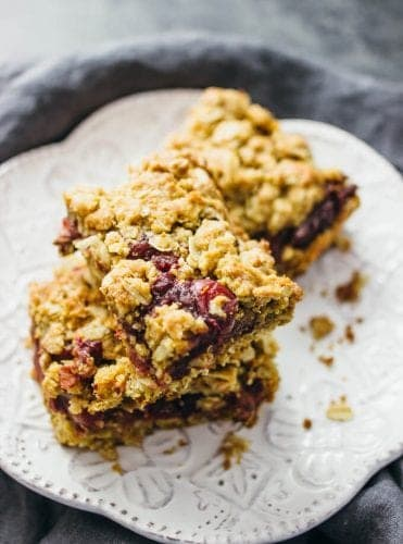 cranberry-sauce-oatmeal-bars-long1