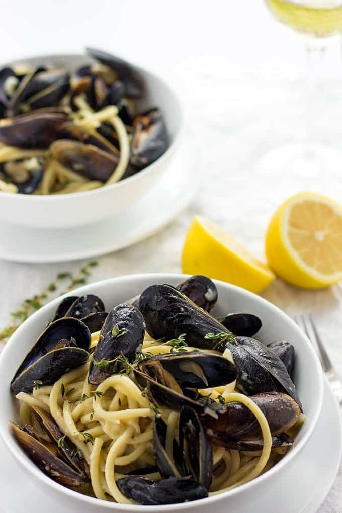 mussels in white wine sauce | mussels in white wine sauce recipe | how to make mussels | how to make mussels in white wine sauce