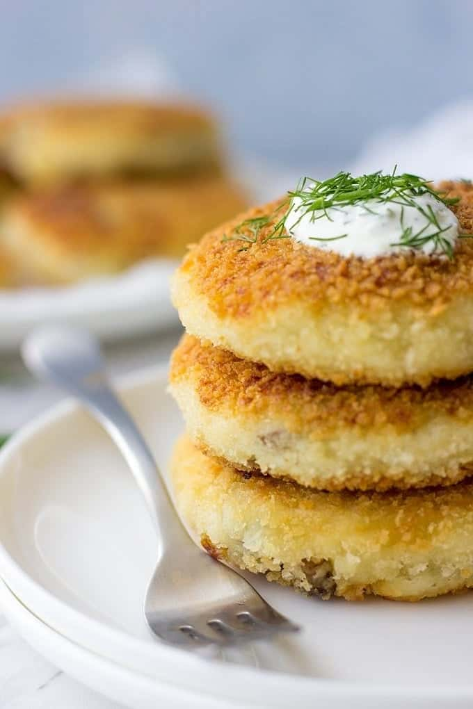Mushroom stuffed potato cakes lavender macarons these mushrooms stuffed potato cakes make a delicious and easy dinner recipe crispy and crunchy ccuart Image collections