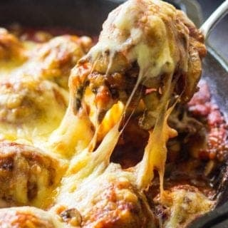 If you're looking for comfort food recipes for dinner, try my Italian Baked Meatballs with Mushrooms and Gruyere Fondue. These delicious Meatballs are packed with flavor and they'll make a scrumptious weeknight dinner recipe for the whole family.