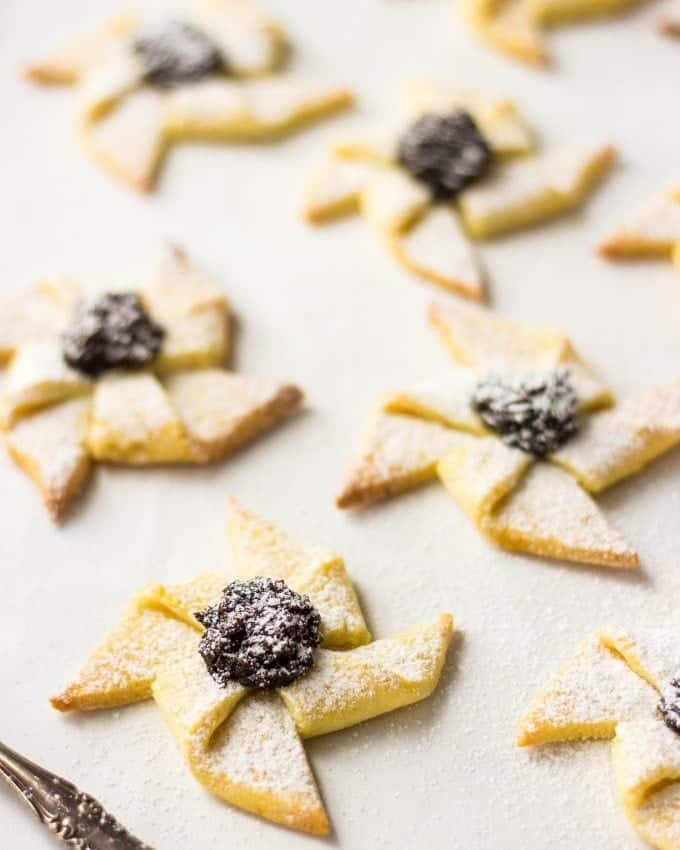 Finnish Christmas Cookies With Prune Jam Joulutorttu