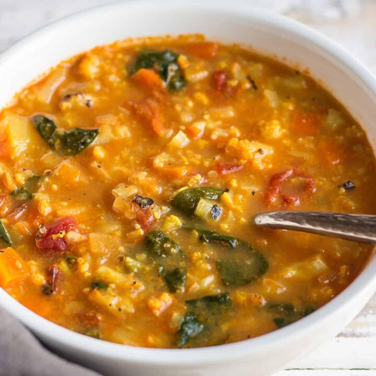 Healthy Cauliflower Curry Soup