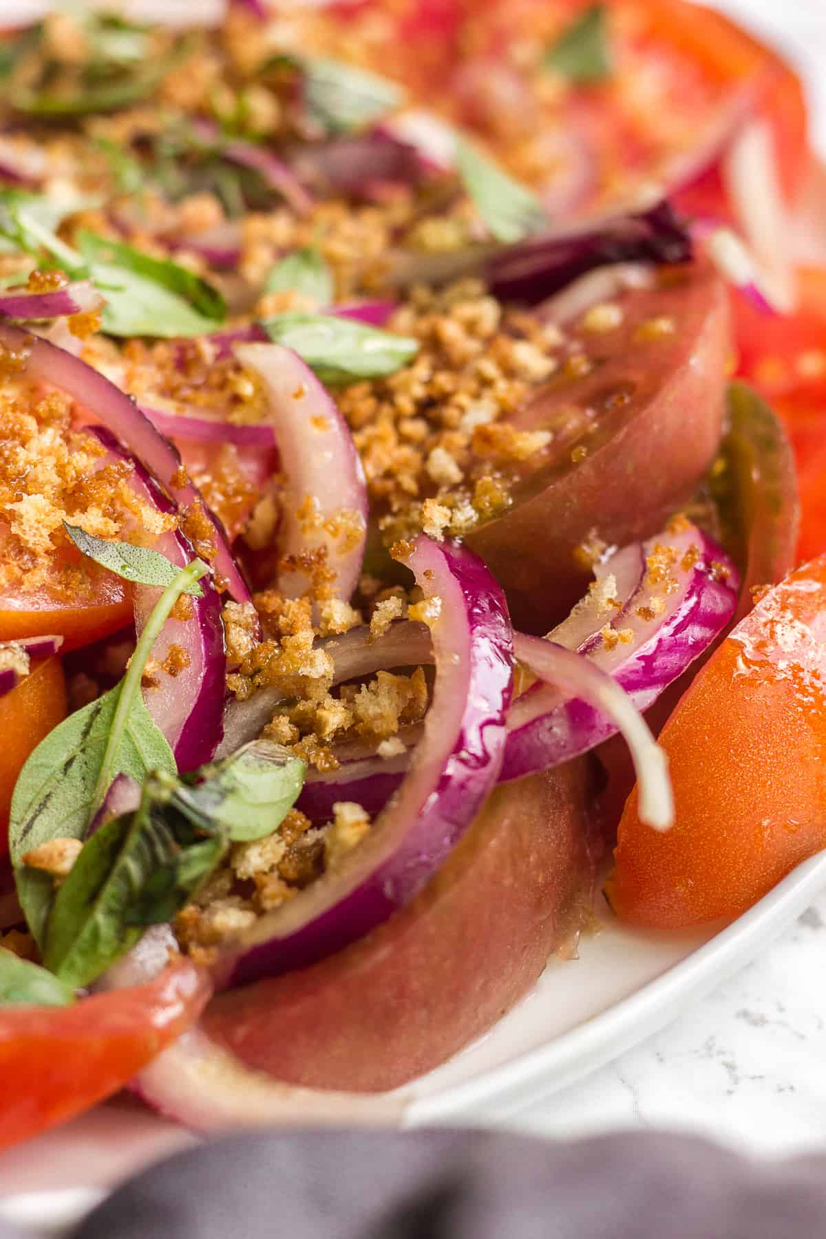 Tomato Salad With Red Onion