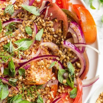 Heirloom Tomato Salad with a crunchy topping