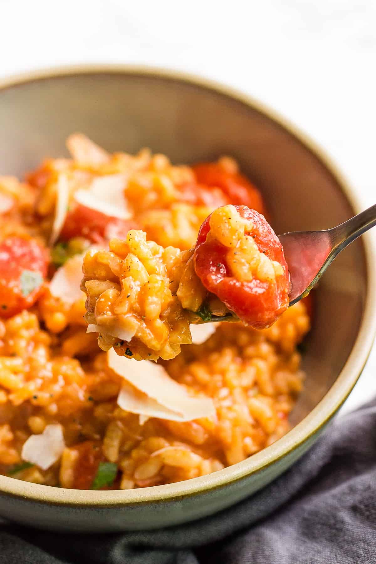 Vegetable risotto with fresh tomatoes