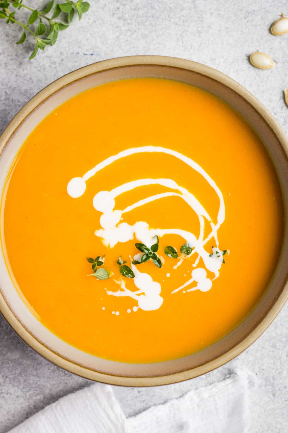 Fall soup with butternut quash, roasted tomato and garlic
