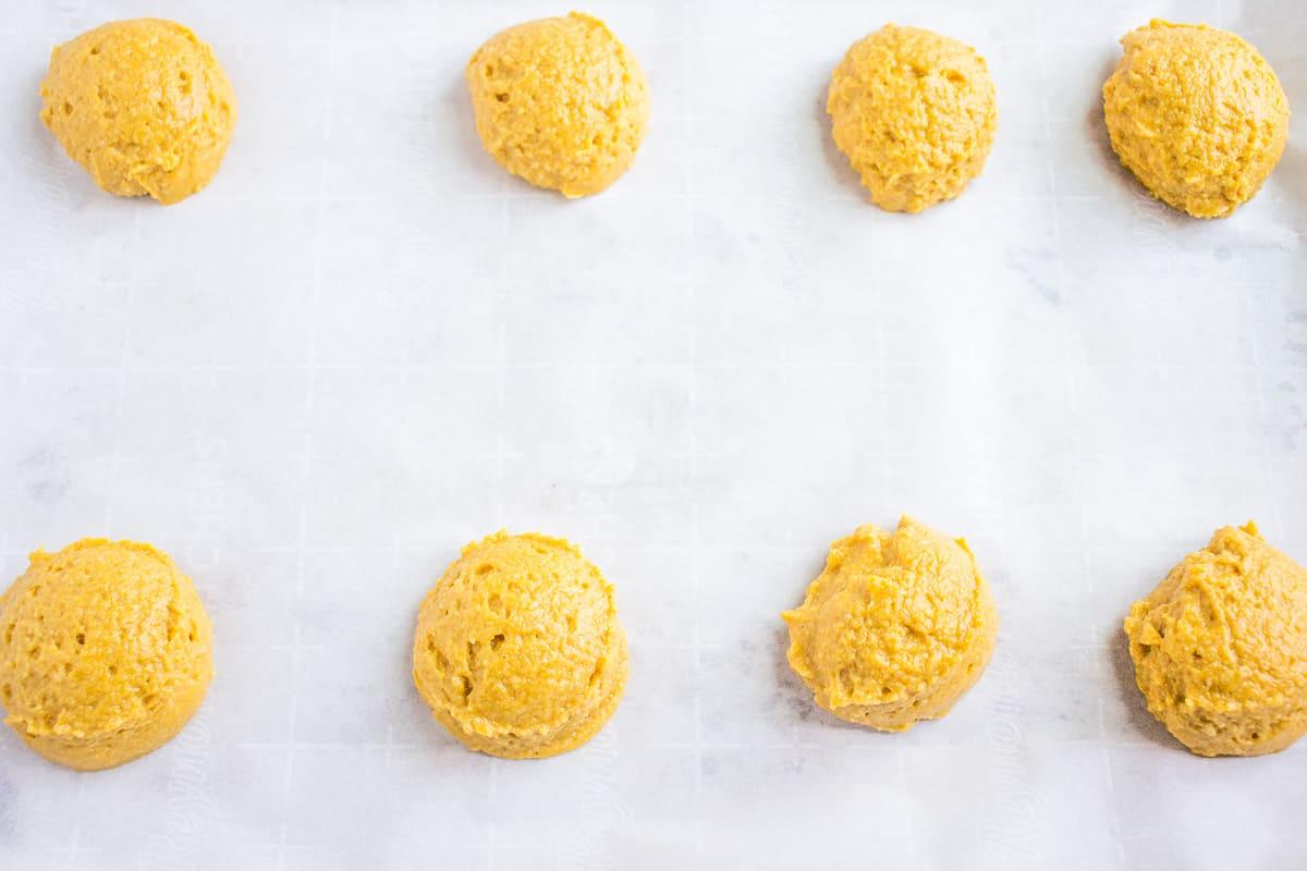 How to drop pumpkin cookies on a baking sheet