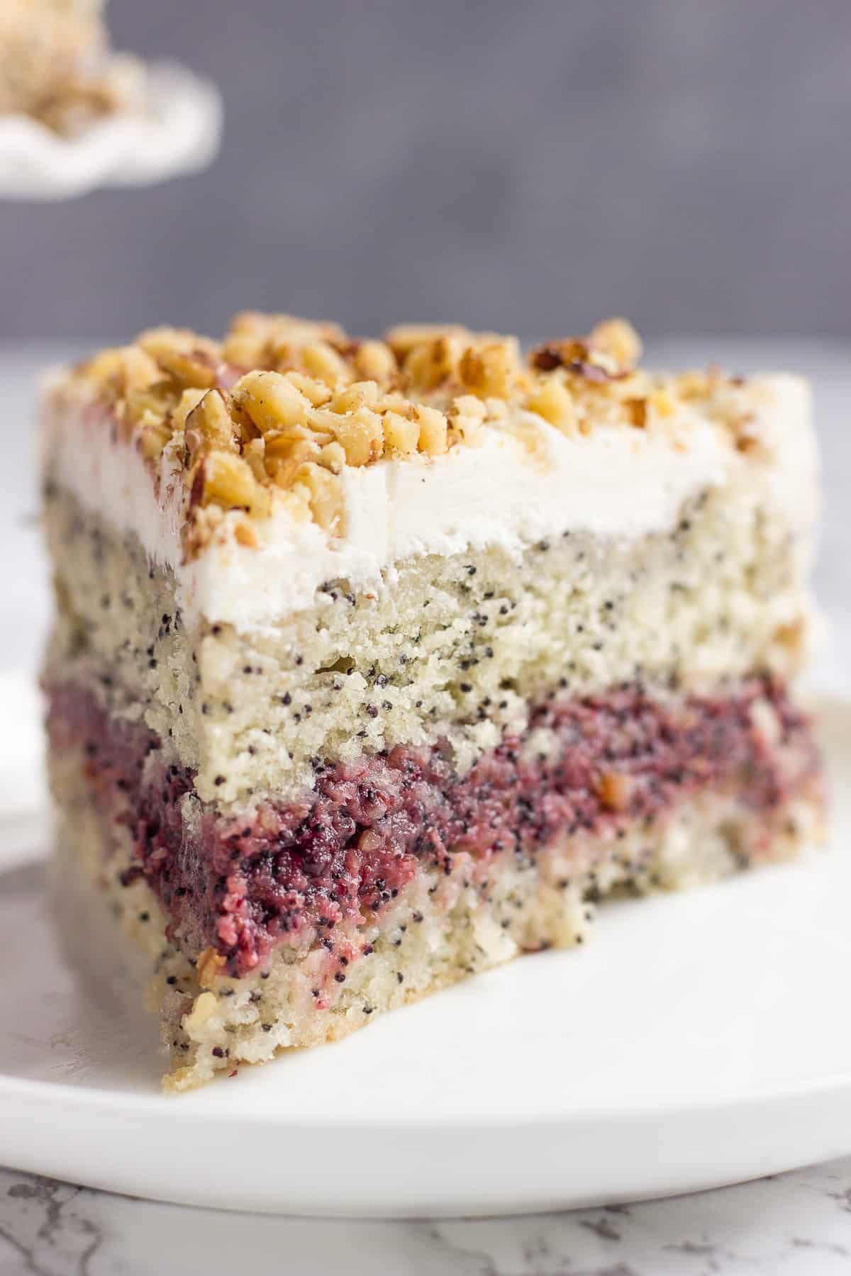 Vegan layer cake with poppy seeds