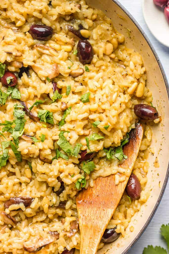 Best vegan mushroom risotto in a pan