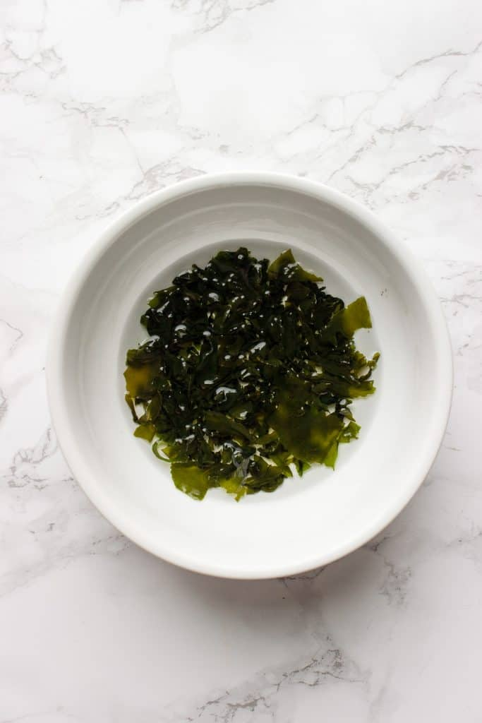 Seaweed expanding in a cold water