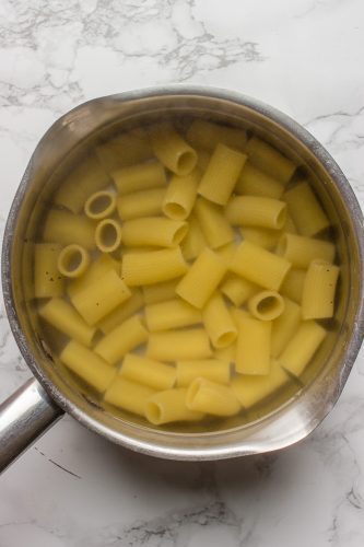 Cooking Rigatoni in a medium pot